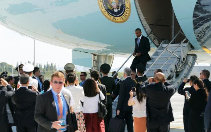 https://1.bp.blogspot.com/-V7MTbghlVAE/V8vq1J70hiI/AAAAAAAAd7U/09PPvZNCPSgKiASjYTGUNxep2M1ufRRFwCLcB/s1600/ObamaLandungChina.jpg