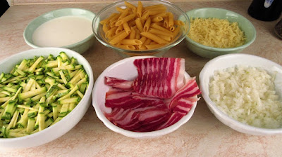 Zapečeni makaroni s tikvicama, pancetom i sirom / Baked penne pasta with zucchini, bacon and cheese