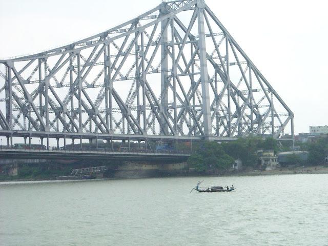 Howrah Bridge Story   हावड़ा ब्रिज से जुड़ा ये राज़ उड़ा देगा आपके   कोलकाता के हावड़ा ब्रिज   Howrah Bridge Story in Hindi
