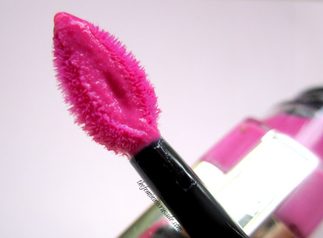 Picture of L'Oreal Colour Caresse Wet Shine Stain Applicator