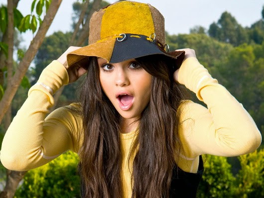 Selena Gomez  Full HD Wallpaers