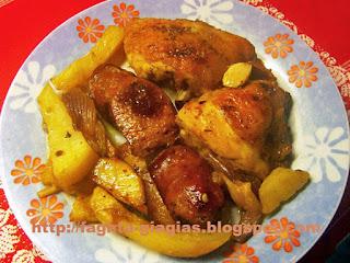 Κοτόπουλο με λουκάνικα στη γάστρα - από «Τα φαγητά της γιαγιάς»