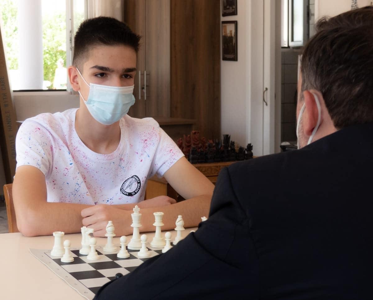 Ένας 14χρονος πρωταθλητής στο σκάκι από τις Φέρες