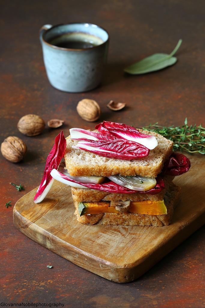 Sandwich con zucca, radicchio e gorgonzola
