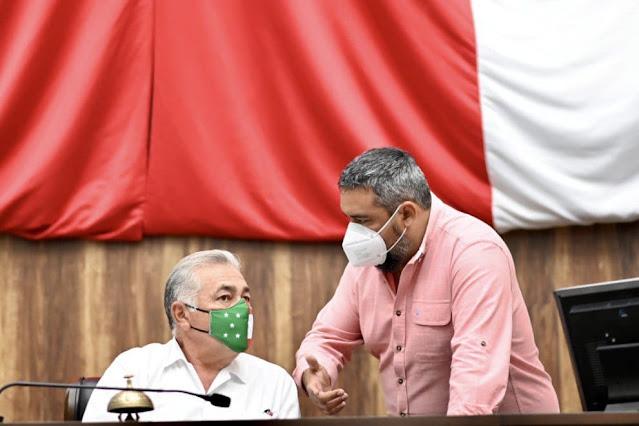 """Piden la creación del reconocimiento """"Al médico del año del Estado de Yucatán"""""""
