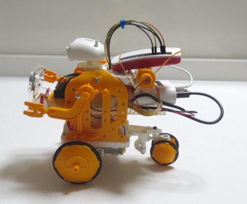 Raspberry Pi Zero WHでロボット(左)