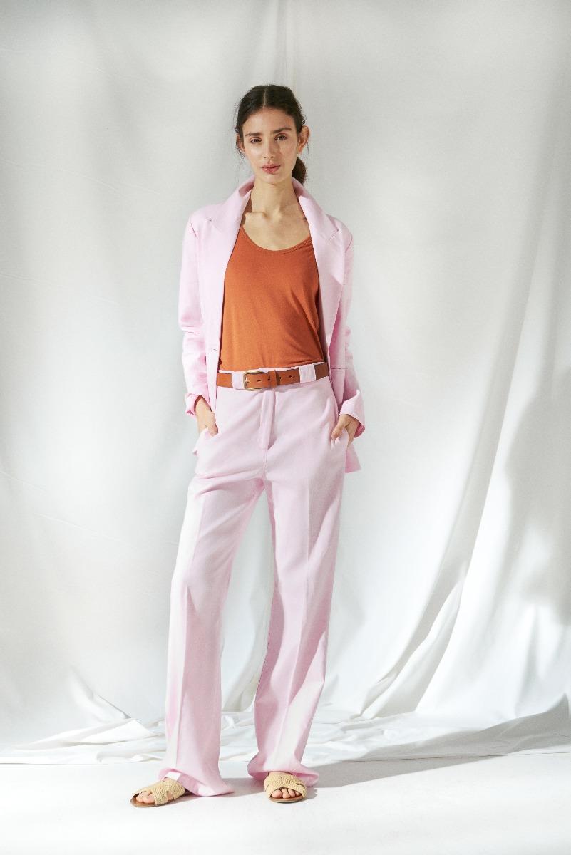 clasicos urbanos verano 2021 sacos y pantalones de mujer