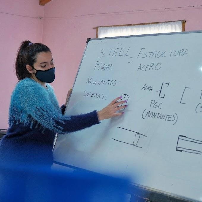 Comenzaron las capacitaciones de construcción en seco e instalaciones domiciliarias en Lago Puelo
