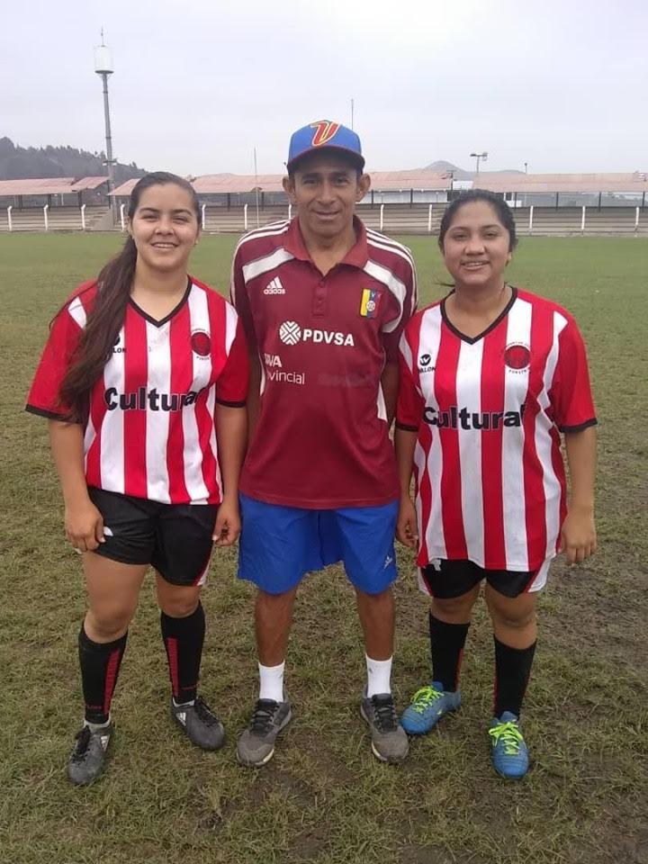 APURE: Entrenador apureño Daniel Guillen debutó en torneo Femenino en Perú