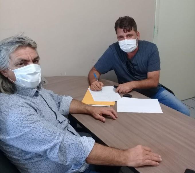 Prefeitura de Amparo assina contrato de serviço com Empresa que irá construir escola no município