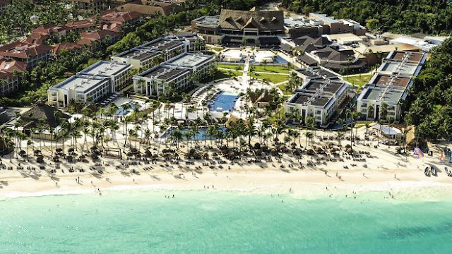Experience All-In Luxury™ at Royalton Punta Cana Resort & Casino, an exclusive family and couples-oriented hotel in beautiful Dominican Republic, with its modern décor, amenities, and picturesque tropical setting.