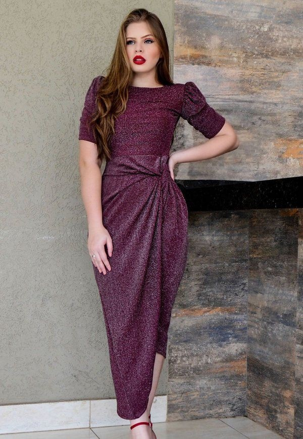 https://www.lojaflordeamendoa.com.br/produto/vestido-tubinho-assimetrico-de-lurex