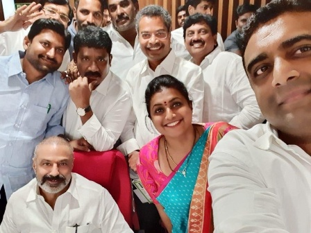 balakrishna-roja-selfies-ap-assembly-amaravathi