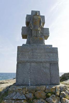 Monument de l'Île de Sein / Jérôme Groisard
