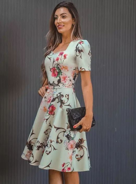 https://www.lojaflordeamendoa.com.br/produto/vestido-midi-floral-gode-princesa-moda-evangelica