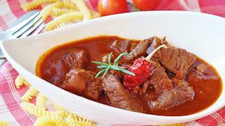 طبق قاروما اللحم