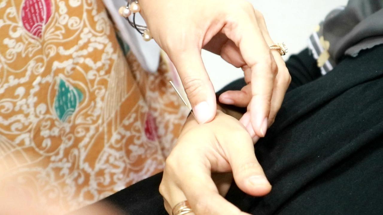 terapi akupunktur di lineation bandung, terapi kesehatan akupunktur di bandung, tips melancarkan asi dengan akupunktur