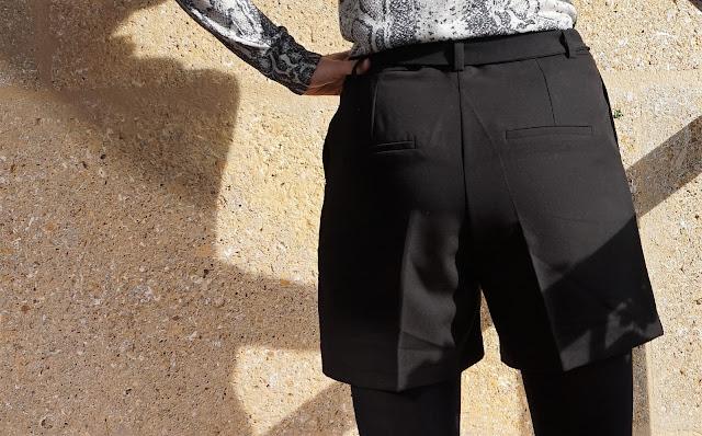 short noir avec lien derrière