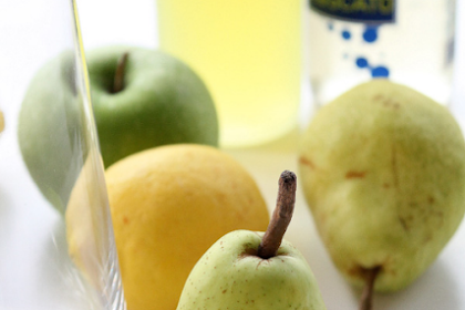 APPLE AND PEAR WHITE SANGRIA RECIPE