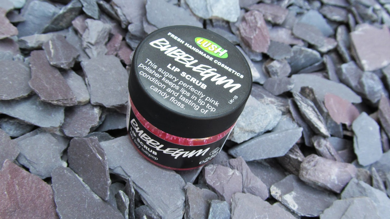 lush bubblegum lip scrub review blog