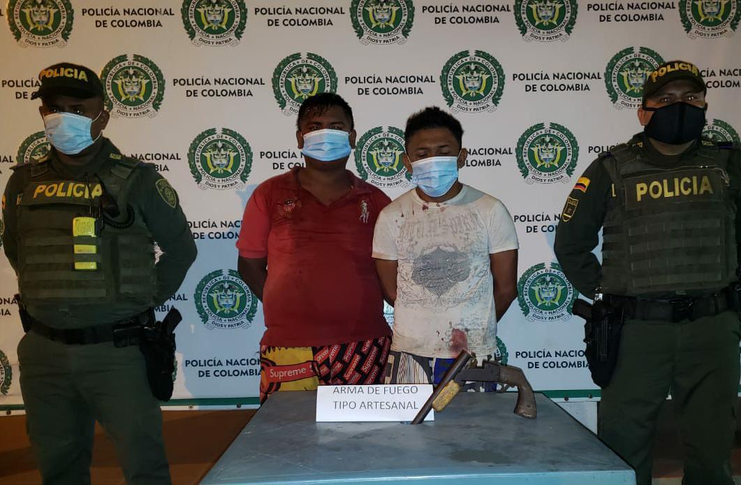 https://www.notasrosas.com/Por amedrentar y hurtar a un ciudadano en Maicao, fueron capturados por la Policía Nacional