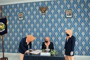 Ketua Seksi Organisasi PIA AG Cab 4/G.II Lanud Sulaeman Diserah Terimakan