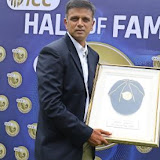 Former captain #RahulDravid  becomes the 5th Indian to be inducted in the @ICC Hall of Fame.