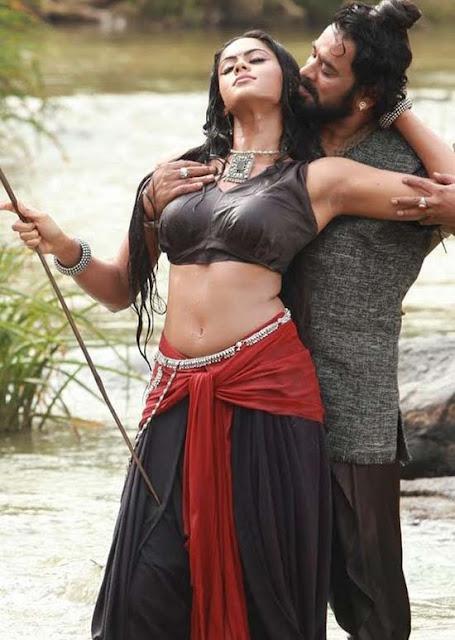 Karthika Hot Stills From Makaramanju Movie