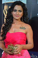 Sraddha in Sleeveless Off Shoulder Pink Dress at IIFA Utsavam Awards March 2017 020.JPG