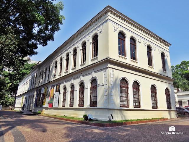 Vista ampla do prédio principal da Oficina Cultural Oswald De Andrade - Bom Retiro - São Paulo