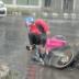 Rider, Sumemplang dahil sinuong ang Malakas na ulan mahatid lang ang Order ng Customer