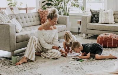 Ingin Tetap Berkarir dan Bisa Dekat dengan Anak? Terapkan Tips Berikut Ini!
