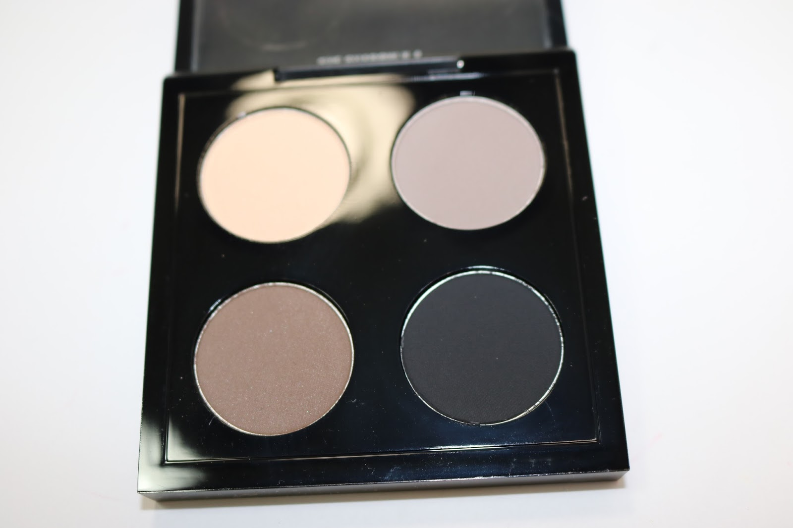 MAC Eye Shadow x 4 in Point 'N' Shoot
