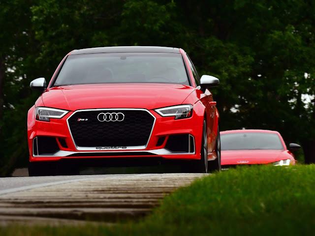 Audi TT-RS e Audi RS3 Sedan chegam em novembro - vídeo