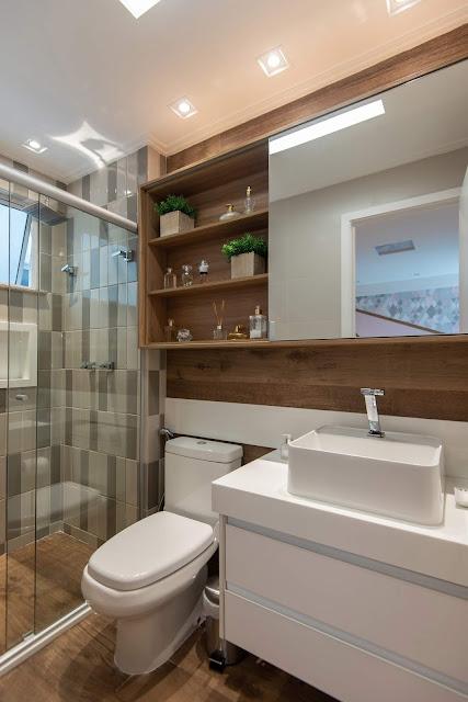 banheiro-porcelanato-madeira-com-tijolinhos