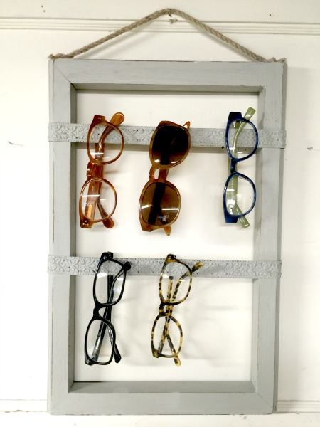 The Best Way to Organize Eyeglasses www.homeroad.net