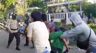 Perwira Menyamar Jadi Pendemo Dihajar Polisi, Anak Buahnya Ngamuk Pukul Balik Polisi