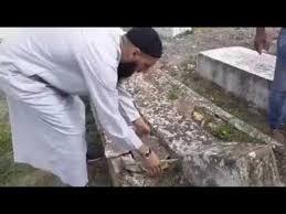 فيديو يكشف وجود اعمال سحر في المقابر في تونس !!!