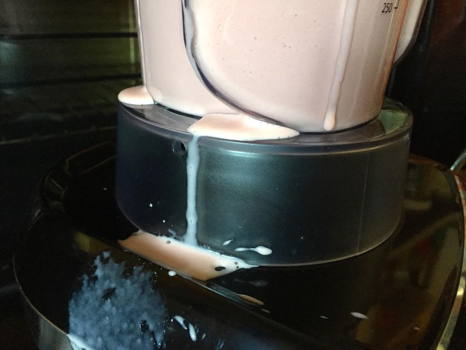 Nach verbranntem riecht gummi spülmaschine Spülmaschine in