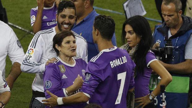 Ibu Ronaldo Sala Menyebutkan Juventus Lolos Dari Degradasi 2019