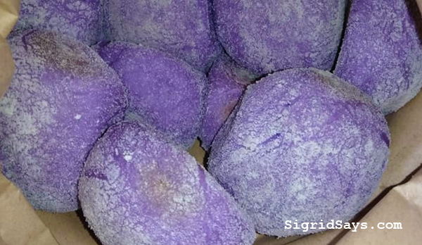 ube pandesal in Bacolod - Bacolod blogger - Bacolod food blogger - Bacolod City - Maid in Bacolod - food delivery service - breads - Bacolod bakeshop - homebakers - Bacolod homebakers - home-based business - ube pandesal recipe - cheesy ube pandesal - cheese filling - brown paper bag