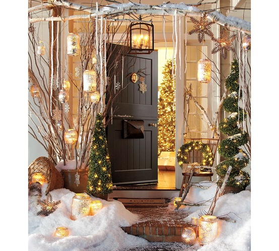 Decoration Inspiration: Ms. Mac's Antiques: Outdoor Holiday Decorating Inspiration