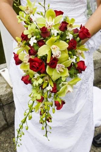 Cascade Flower Bouquet Http Refreshrose Blogspot Com