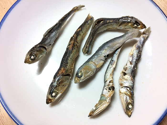 10-Anchovies-Seiji-Kawasaki-Mouth-Watering-Realistic-Food-Art-Made-out-of-Wood-www-designstack-co