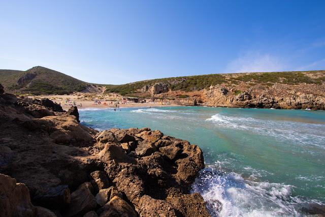 Spiaggia di Cala Lunga-Sentiero