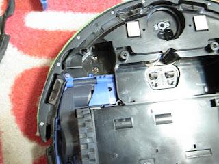 iRobot Roomba 577 エッジクリーニングモーターも外して点検