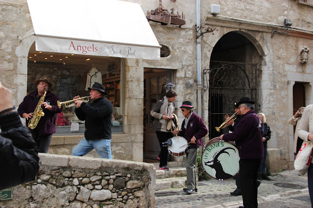 Уличные музыканты. Saint-Paul de Vence.