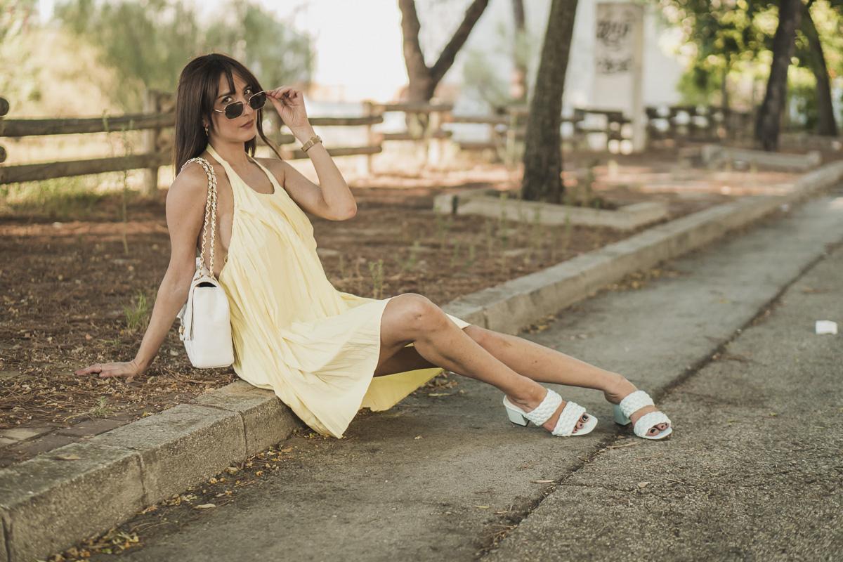 mini vestido plisado