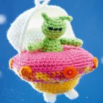 http://www.topcrochetpatterns.com/free-crochet-patterns/alfie-the-alien