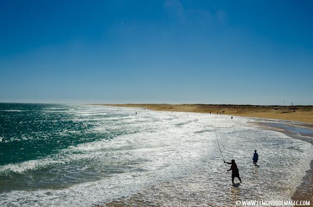 Las mejores playas del Algarve - Pescador en Isla Desierta
